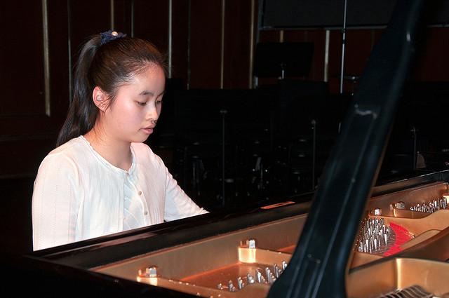 Phuong Nghi Pham at piano